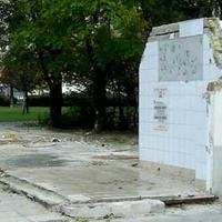 Nem halad a bazársor bontása a Sibrik Miklós úton