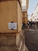70 kedves üzenet Budapest utcáin