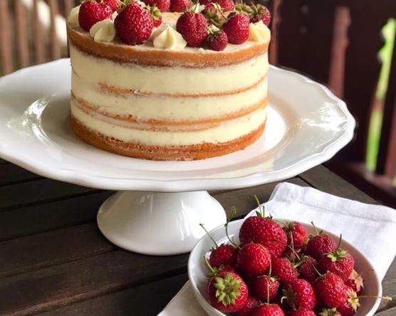 VENDÉGBLOGGER: Fehércsokis - Epres Naked Cake