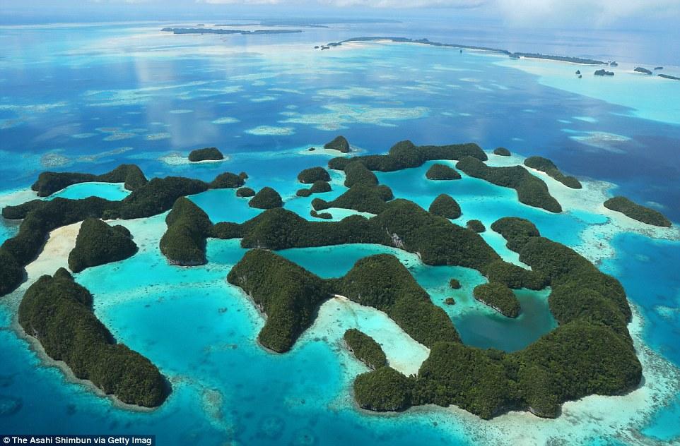A Hetven sziget Palaunál.