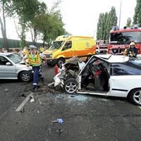 Frontális baleset Zsámbék és Bicske között - bicskei tűzoltók is vonultak!