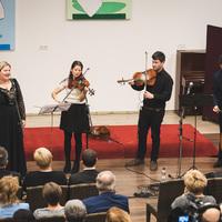 Nagy sikert aratott Konkoly Csenge és a Magyarhang zenekar a bicskei Fiatalok Házában!