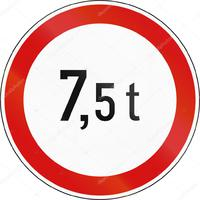 Kitiltották a 7,5 tonnánál nehezebb gépjárműveket az 1-es főútról!
