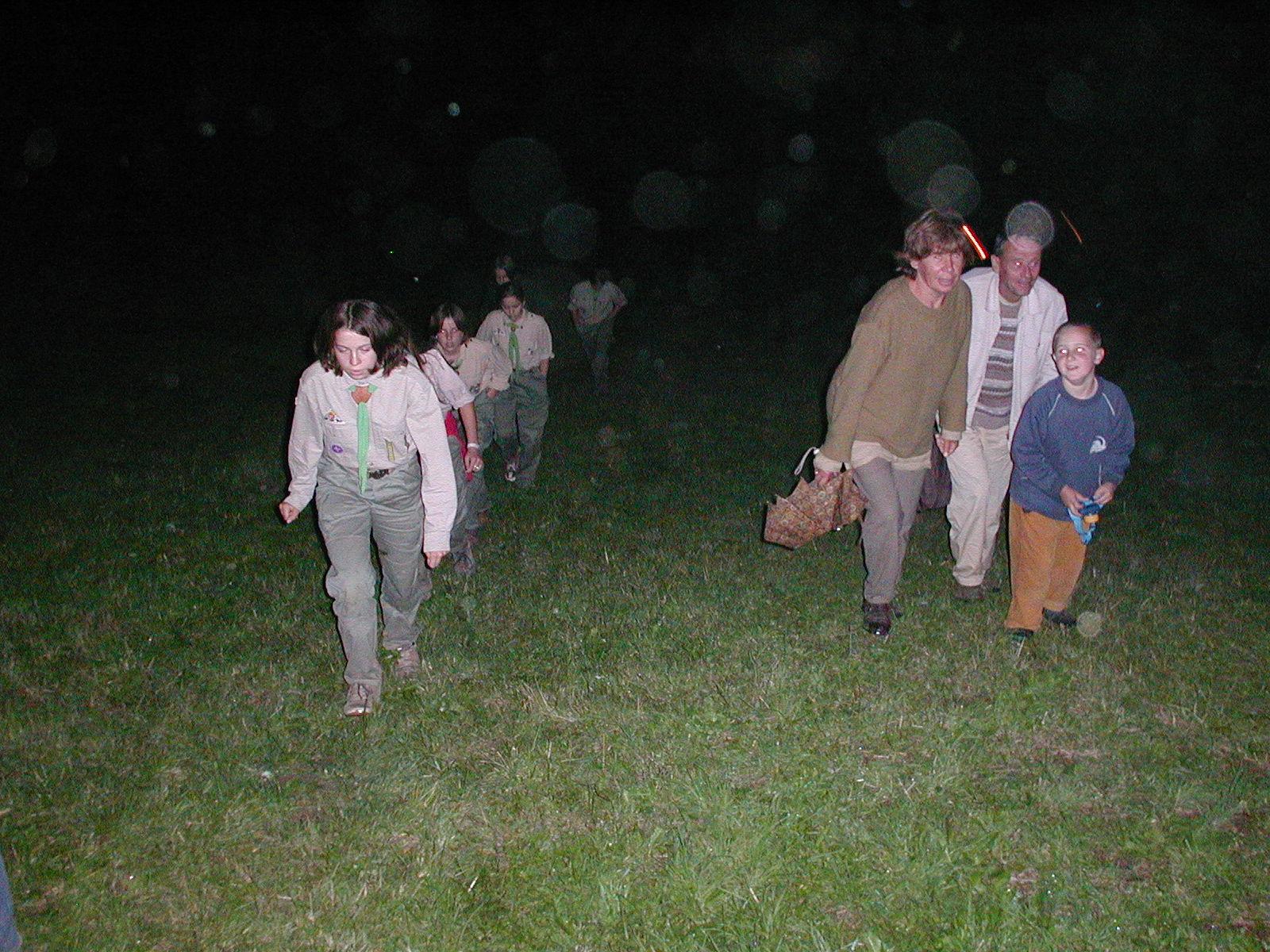 Gyurka bá Hanna nénivel és Bencével a 2002-es máriaforrási esőtáborban