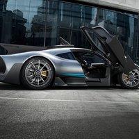 Hogyan lehet 275 darab autót, egyenként 700 millió forintért értékesíteni?