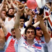 Háború, evolúció, agresszió? Miért (kiért) harcolnak a futballhuligánok?