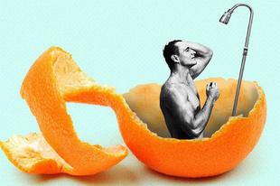 Zuhany alatt a naranccsal