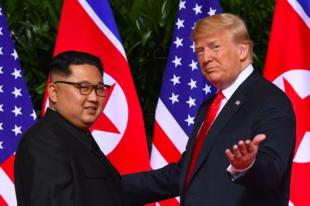 Mit árul el Donald Trump és Kim Jong Un testbeszéde?