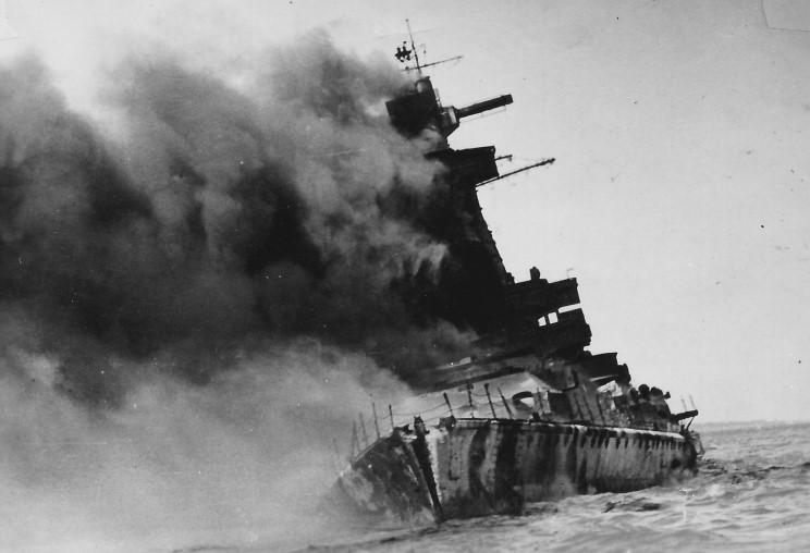 admiral_graf_spee_1939_12_17_007.jpg