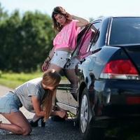 """Az autóipar egyik legnagyobb öngólja, evör: a """"defekttűrő"""" abroncs"""