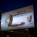 Látványos reklám, művészi árnyjátékkal