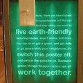 Lekapcsolható plakát a buszmegállóban