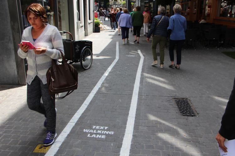 text-walking-lane-1.jpg