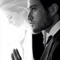 A férfi harcol. A férfi megtesz mindent azért a nőért, akit szeret. Meddig?