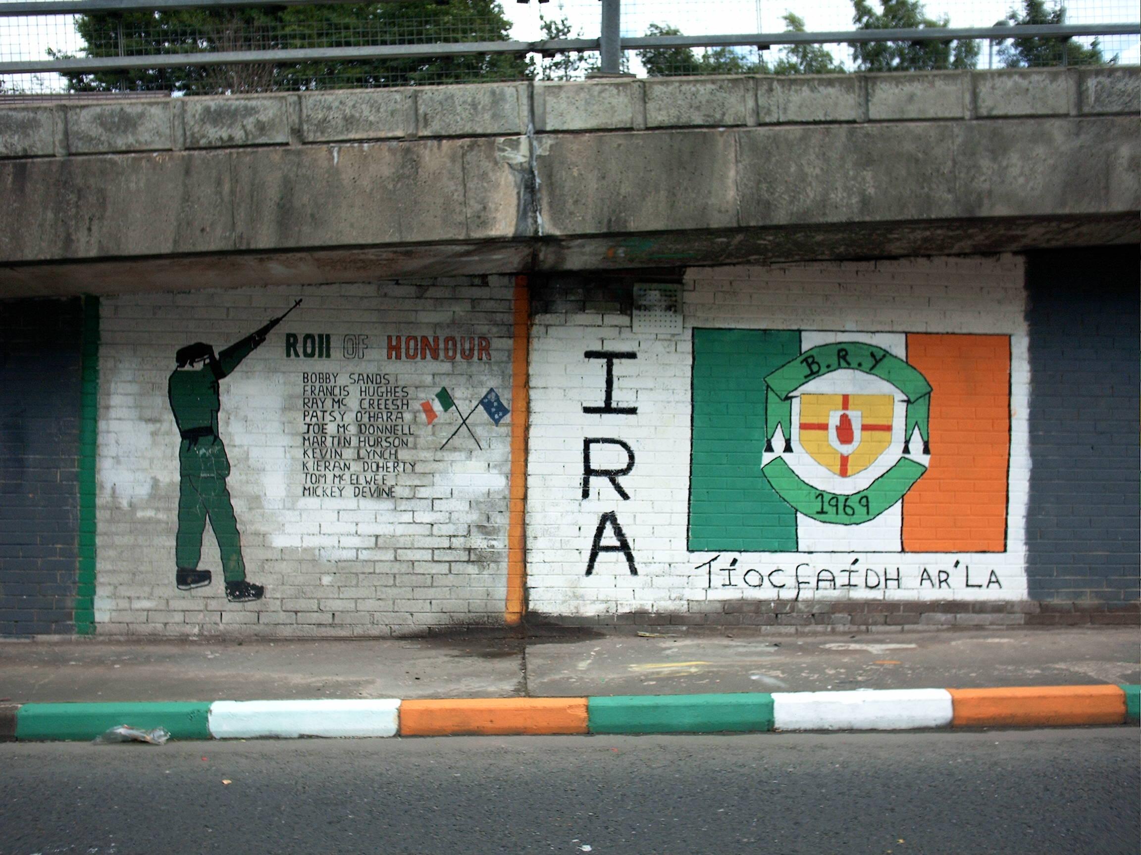 ira_mural_bogside_panoramio.jpg
