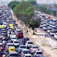 Only in India - 1,2 millió gépjármű naponta egy felüljárón.