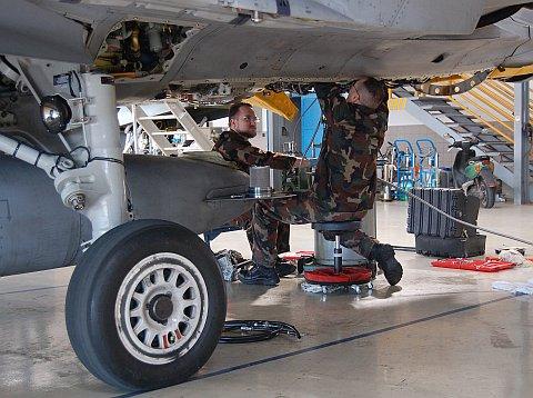hangar-10.jpg