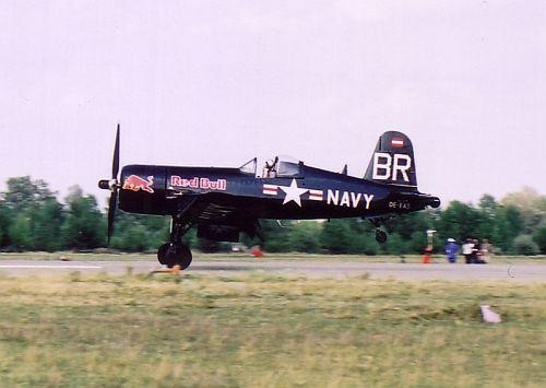 redbull-2003-lhtl-06.jpg