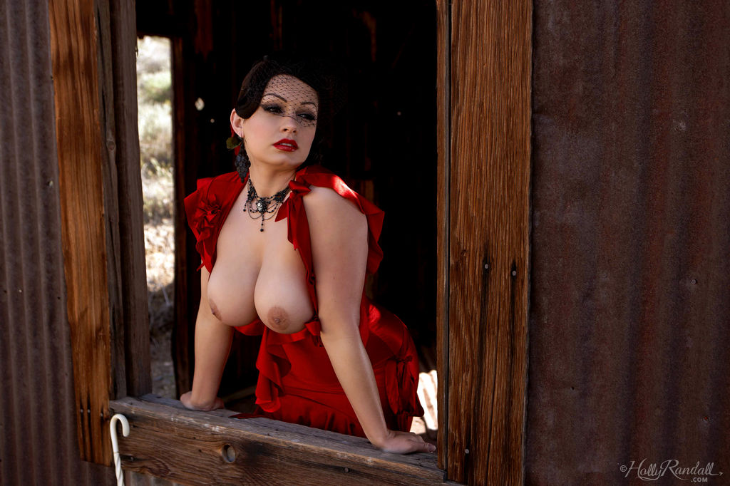 perfectly-shaped-goddess-aria-giovanni-delights-us-with-a-sultry-striptease-04.jpg