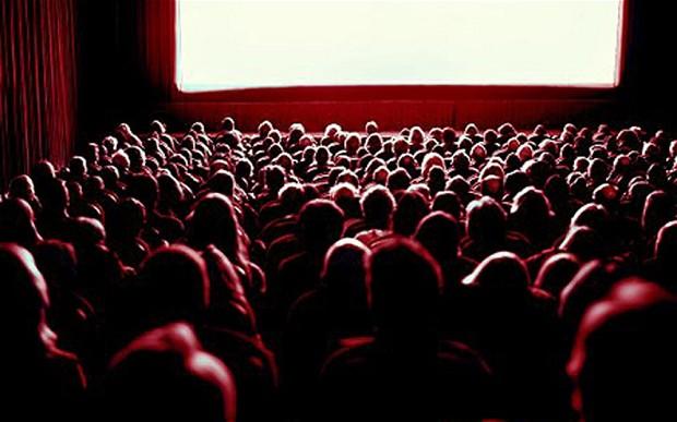 audience_2401063b.jpg