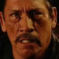 Danny Trejo műkönnyekkel küszködve áll bosszút