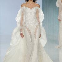 Tölcsér ujjak, 3 dimenziós csipkék és köpenyek: ezek voltak a Barcelona Bridal Fashion Week legszebb menyasszonyi ruhái!
