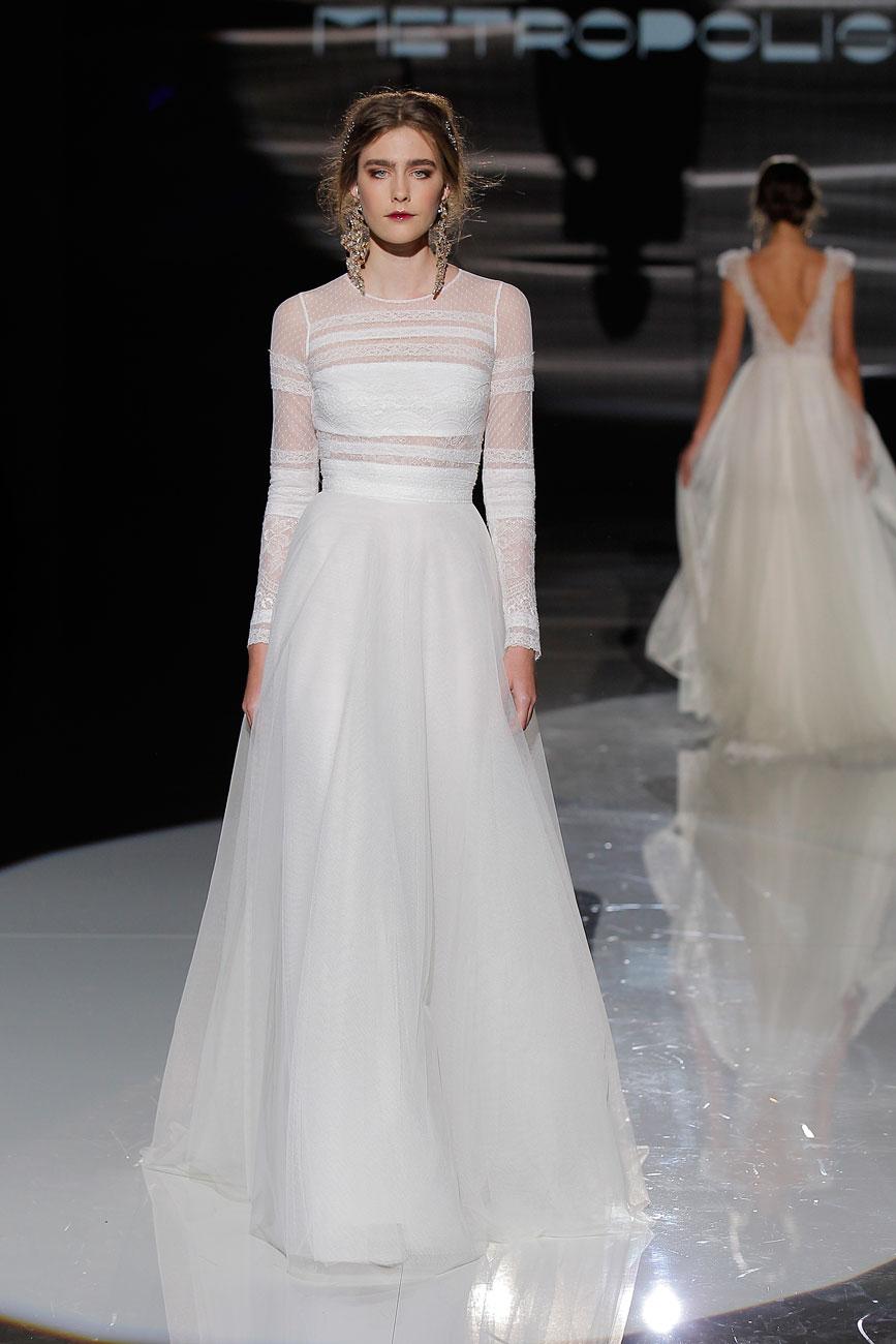 1-barcelona-bridal-week-eskuvo-classic-alice-blog-menyasszonyi-ruha-jesuspeiro_23.jpg