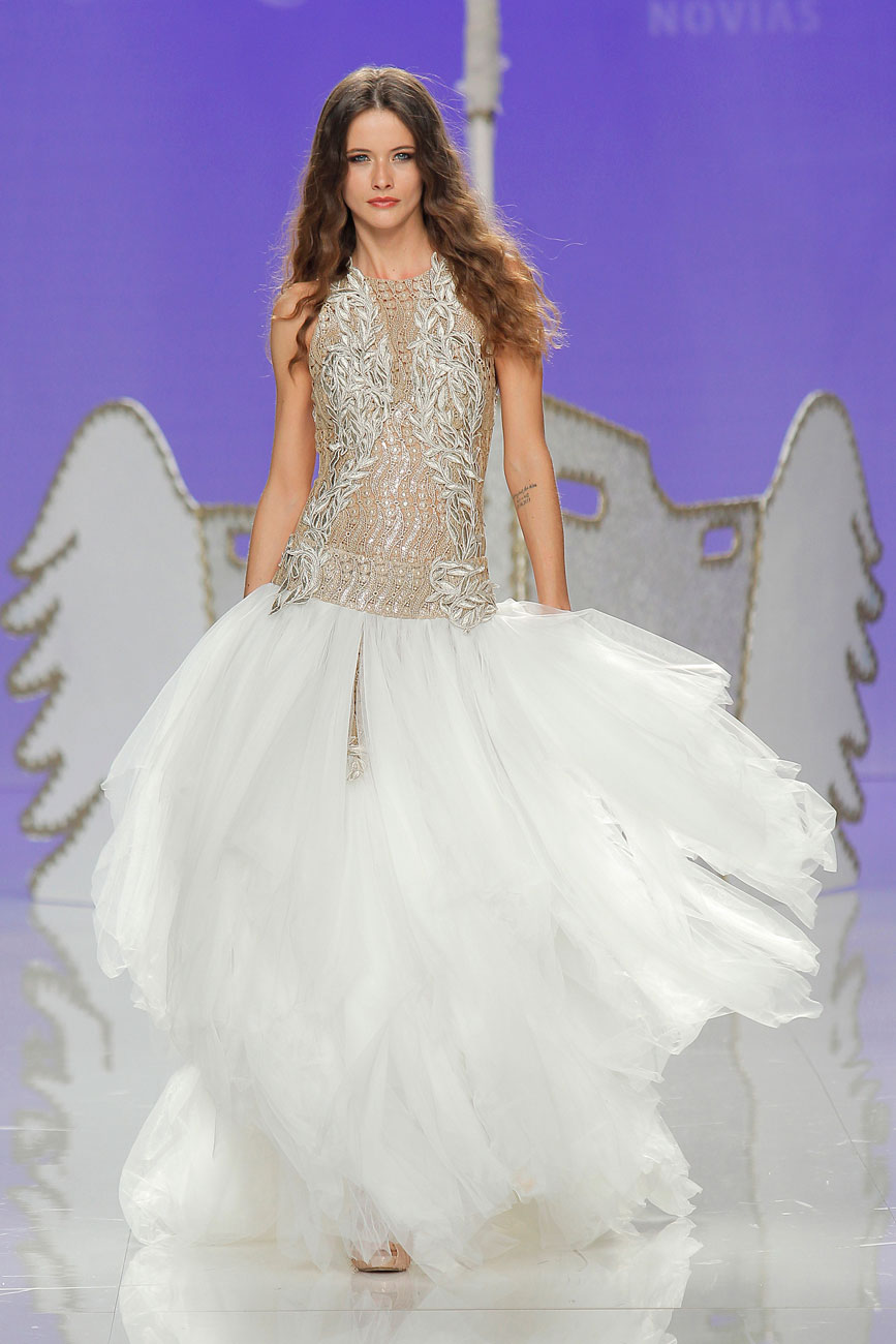 2-barcelona-bridal-week-eskuvo-classic-alice-blog-menyasszonyi-ruha-jordidalmau_25.jpg