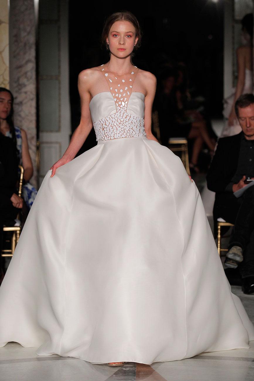 3-barcelona-bridal-week-eskuvo-classic-alice-blog-menyasszonyi-ruha-angelsanchez_070.jpg