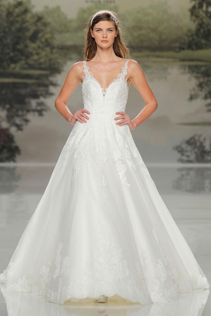 3-barcelona-bridal-week-eskuvo-classic-alice-blog-menyasszonyi-ruha-studiostpatrick_39.jpg