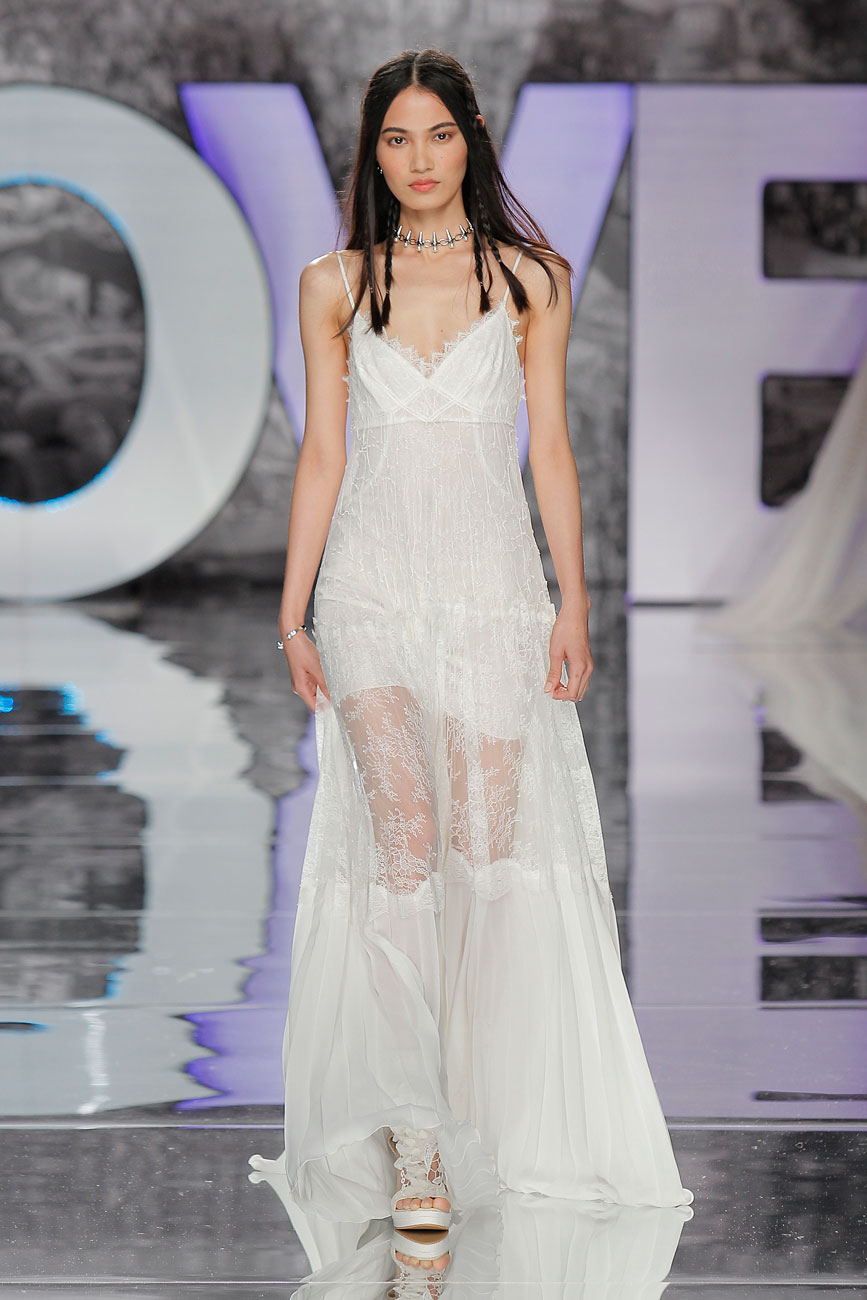 3-barcelona-bridal-week-eskuvo-classic-alice-blog-menyasszonyi-ruha-yolancris_30.jpg