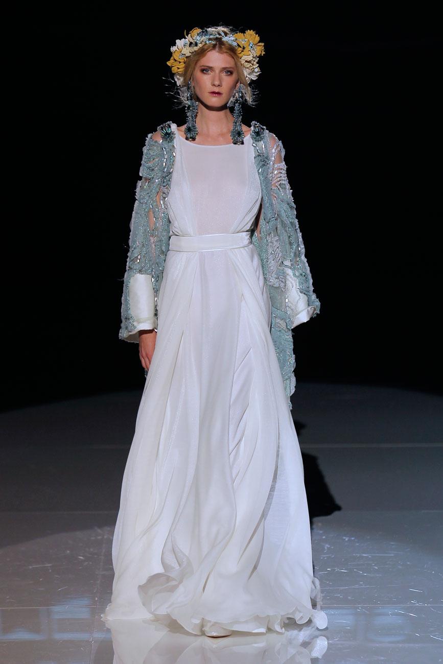 4-barcelona-bridal-week-eskuvo-classic-alice-blog-menyasszonyi-ruha-jesuspeiro_61.jpg
