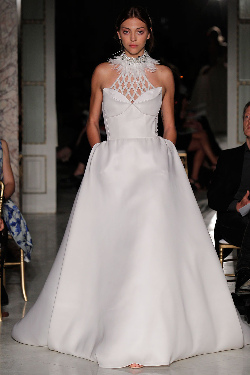 6-barcelona-bridal-week-eskuvo-classic-alice-blog-menyasszonyi-ruha-angelsanchez_062.jpg