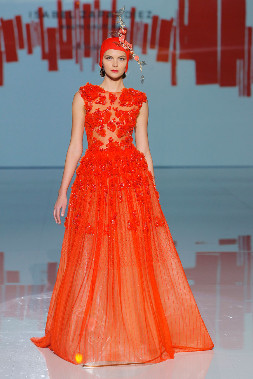 7-barcelona-bridal-week-eskuvo-classic-alice-blog-menyasszonyi-ruha-isabelzapardiez_13.jpg