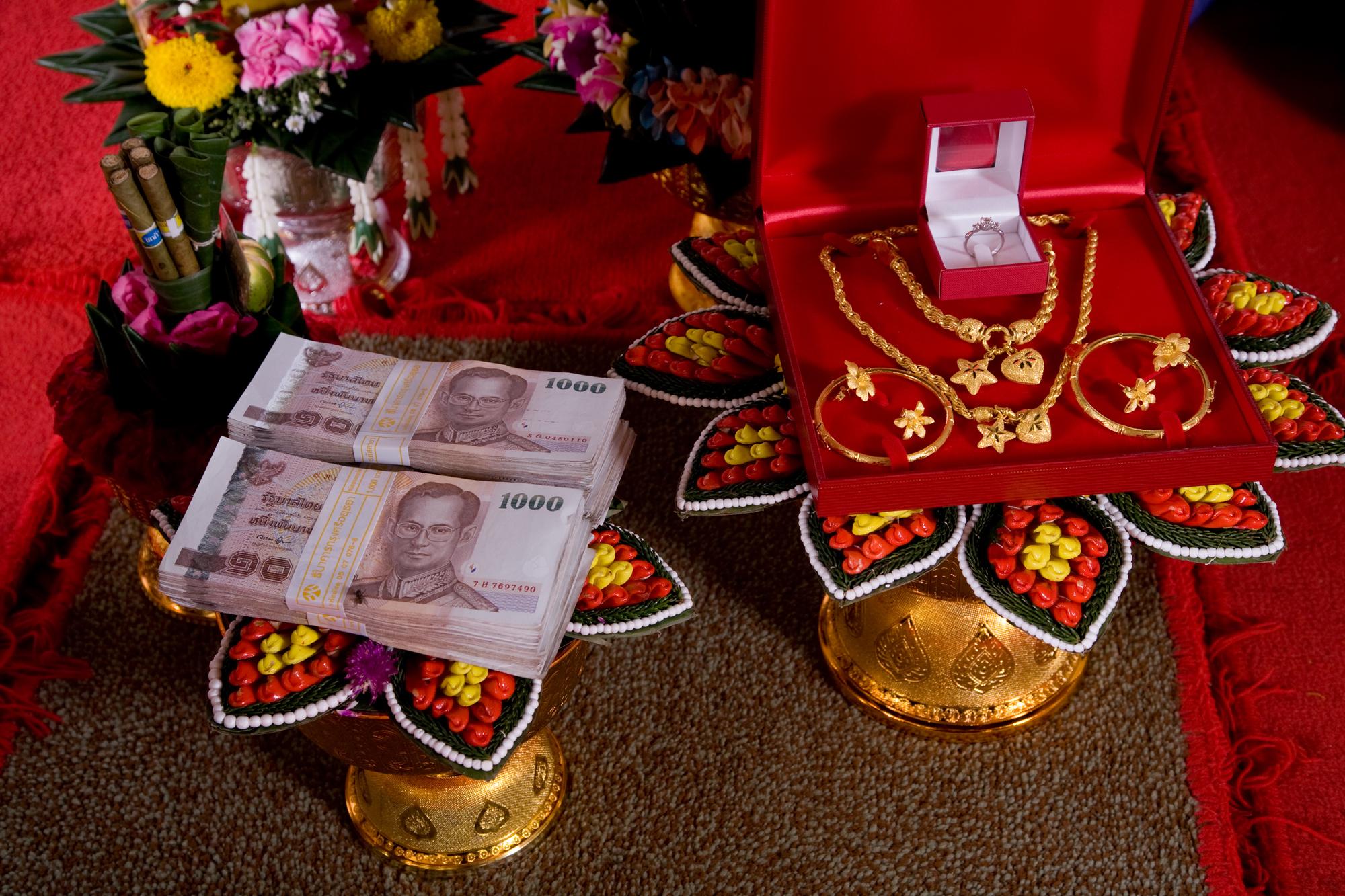 thai_bride_price_20082.jpg
