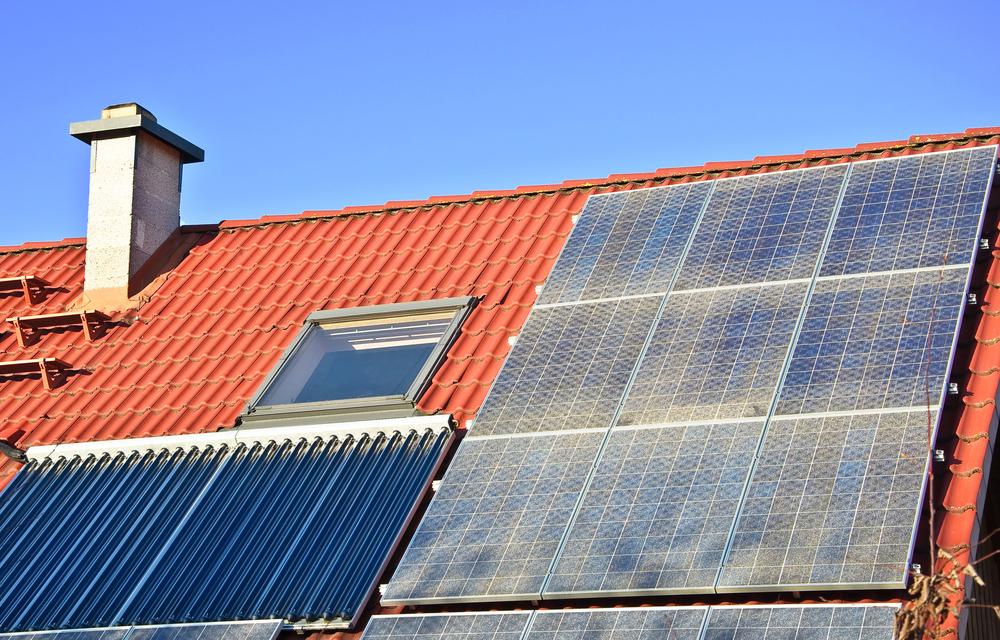 solar_thermal_vs_solar_panel.jpg