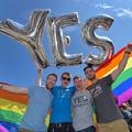Minek kell melegházasság?