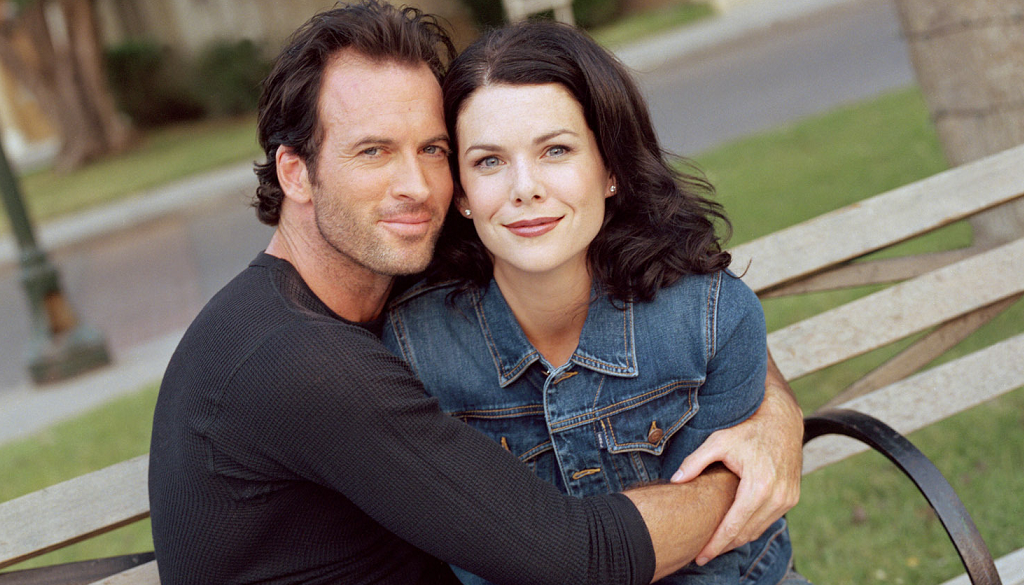 gilmore-girls-luke-lorelai-romantic-status-still-frustrating.png