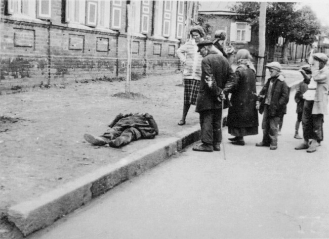 famine_kharkov_1933.jpg