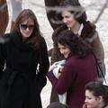 Plüssmacit mentenek Jolie filmjében
