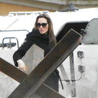 Esztergomban védvárőrség őrzi Angelinát