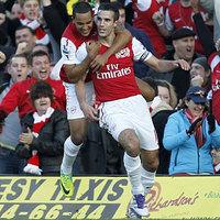 Ismét Van Persie szállította az Arsenal győzelmét