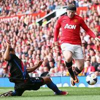Van Persie és Rooney góljával nyert az MU