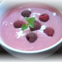 Joghurtos málnakrémleves