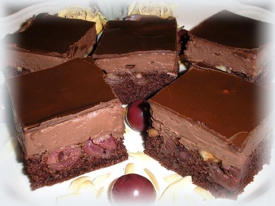 meggyes-csokis zabkocka.jpg