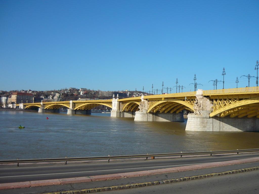 margaret_bridge_01_budapest.JPG