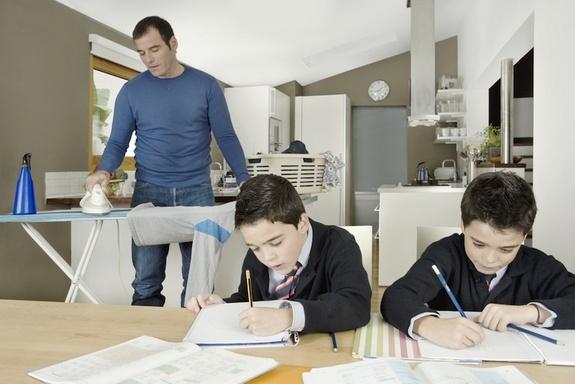 housework-dad-130315.jpg