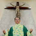 Beköltözhet-e egy katolikus a valóságshow-ba? Mi történik, ha minden pap meghal?