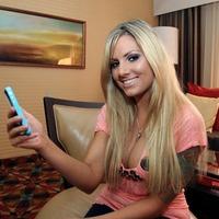 Az iPhone 4-re épít a pornós szakma