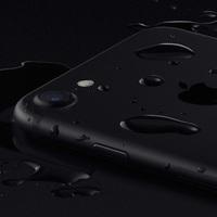 Hivatalosan is vízálló lehet a következő iPhone
